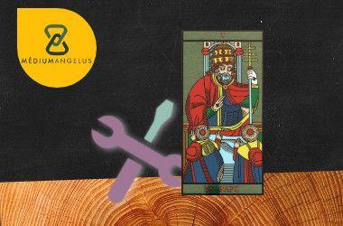 el sumo sacerdote tarot significado en el trabajo